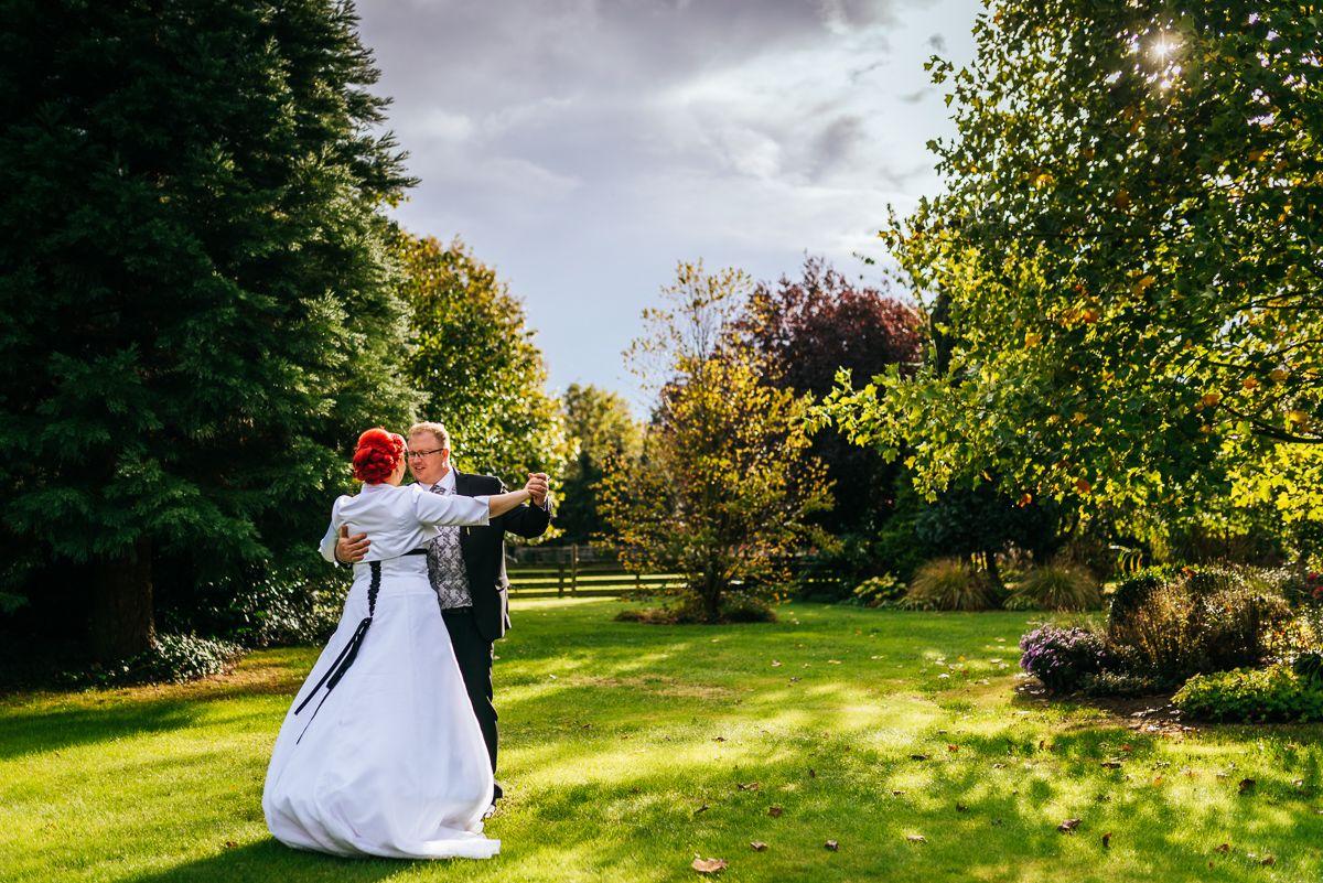 Tanz Im Oktoberlicht Oktober Hochzeit Hochzeitsfotografie Hochzeit