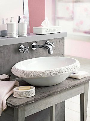 waschbecken mit rosen dekor home sweet home pinterest badezimmer baden und shabby chic. Black Bedroom Furniture Sets. Home Design Ideas