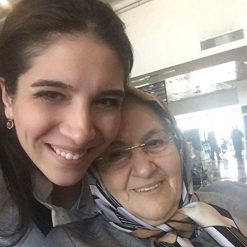 Kayseri' ye gelmişken elim boş dönmeyim dedim kızlarıma büyükanneanne götürüyorum  by bilge_turkoz