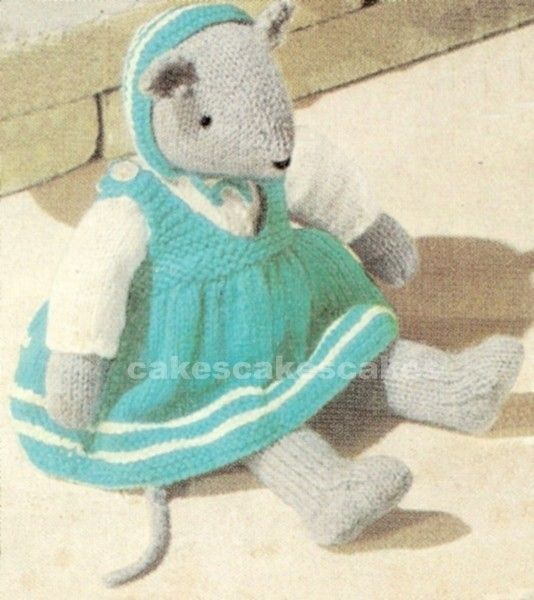 A mouse in a dress to knit! Adorable. Etsy. | animalitos tejidos ...
