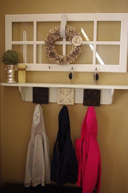 I love the entry way organization decor