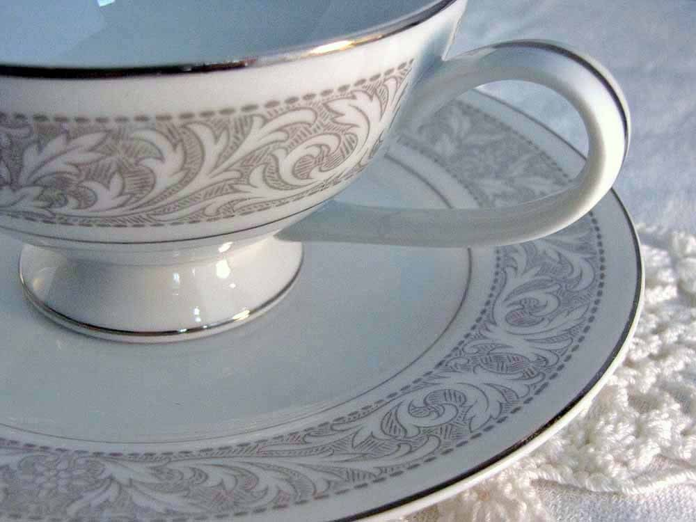 Just bought a 29 piece set of these Imperial China dishes in the Whiteny pattern the other day for under tewnty bucks at an indoor flea market. Good deal! & Just bought a 29 piece set of these Imperial China dishes in the ...