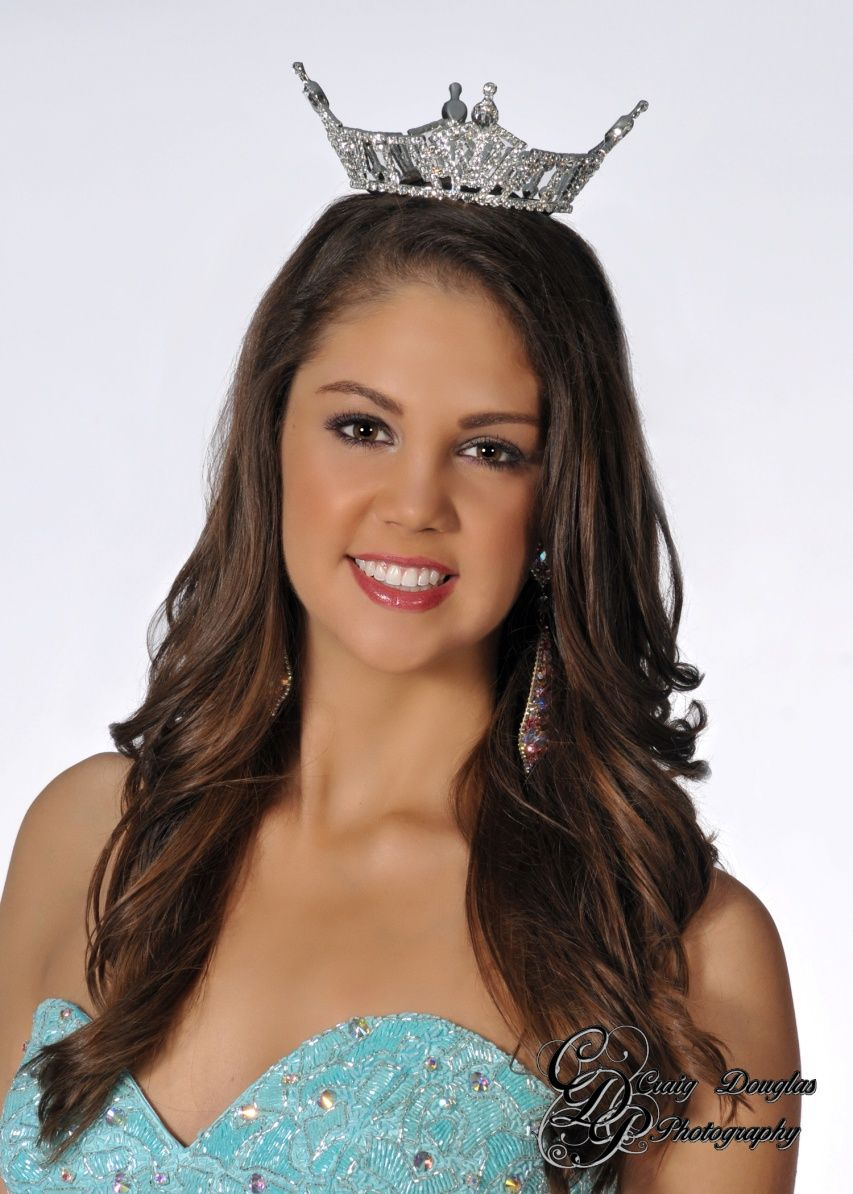 Miss Oregon is the youngest and tallest at Miss America