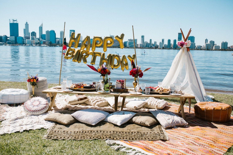 BOHEMIAN PICNIC BIRTHDAY PARTY #21stbirthdaysigns