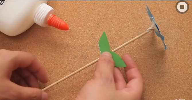 Inilah Cara Membuat Bunga Dari Kertas Krep Yang Bisa Kamu Tiru