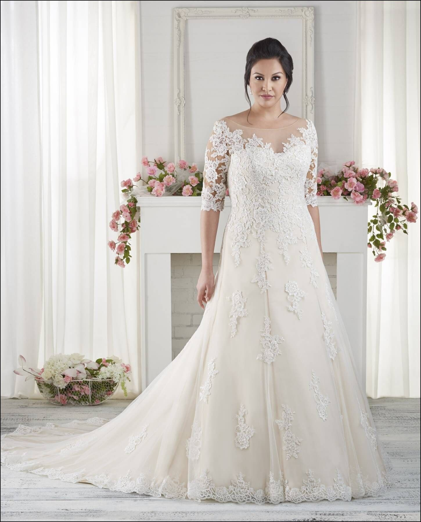 Wedding Gown for Chubby Bride | B o d a | Pinterest | Gowns and Weddings