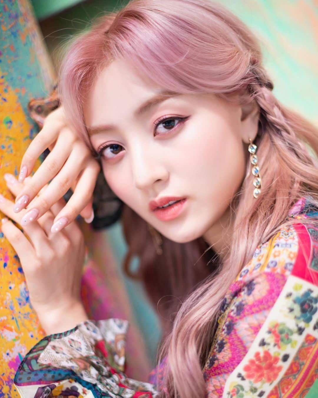 Pintar Dan Berbakat 10 Idol Kpop Ini Punya Keahlian Ciptakan Lagu Di 2020 Idol Komposer Lagu