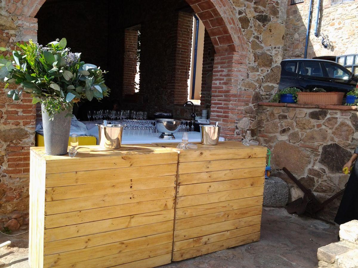 Mostrador barra de bar hecho con palets para bodas - Mostradores de bar ...