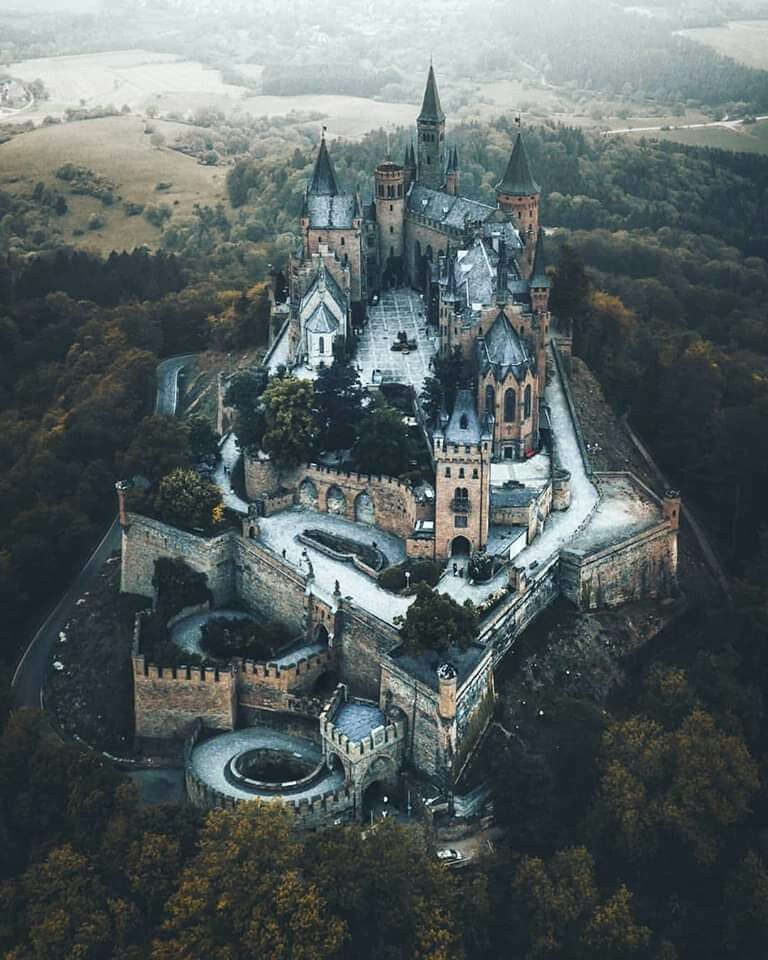 Pin By Gilles Schoder On Landscapes Hohenzollern Castle Germany Castles Castle
