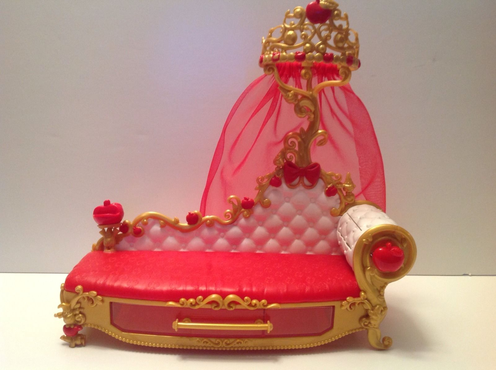 Phenomenal Ever After High Apple White Fainting Couch Used Ebay Machost Co Dining Chair Design Ideas Machostcouk
