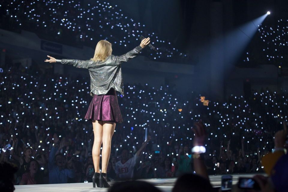 Taylor Swift 1989 Tour Inside This Summer S Biggest Concert Taylor Swift Concert Taylor Swift 1989 Tour Taylor Swift Dancing