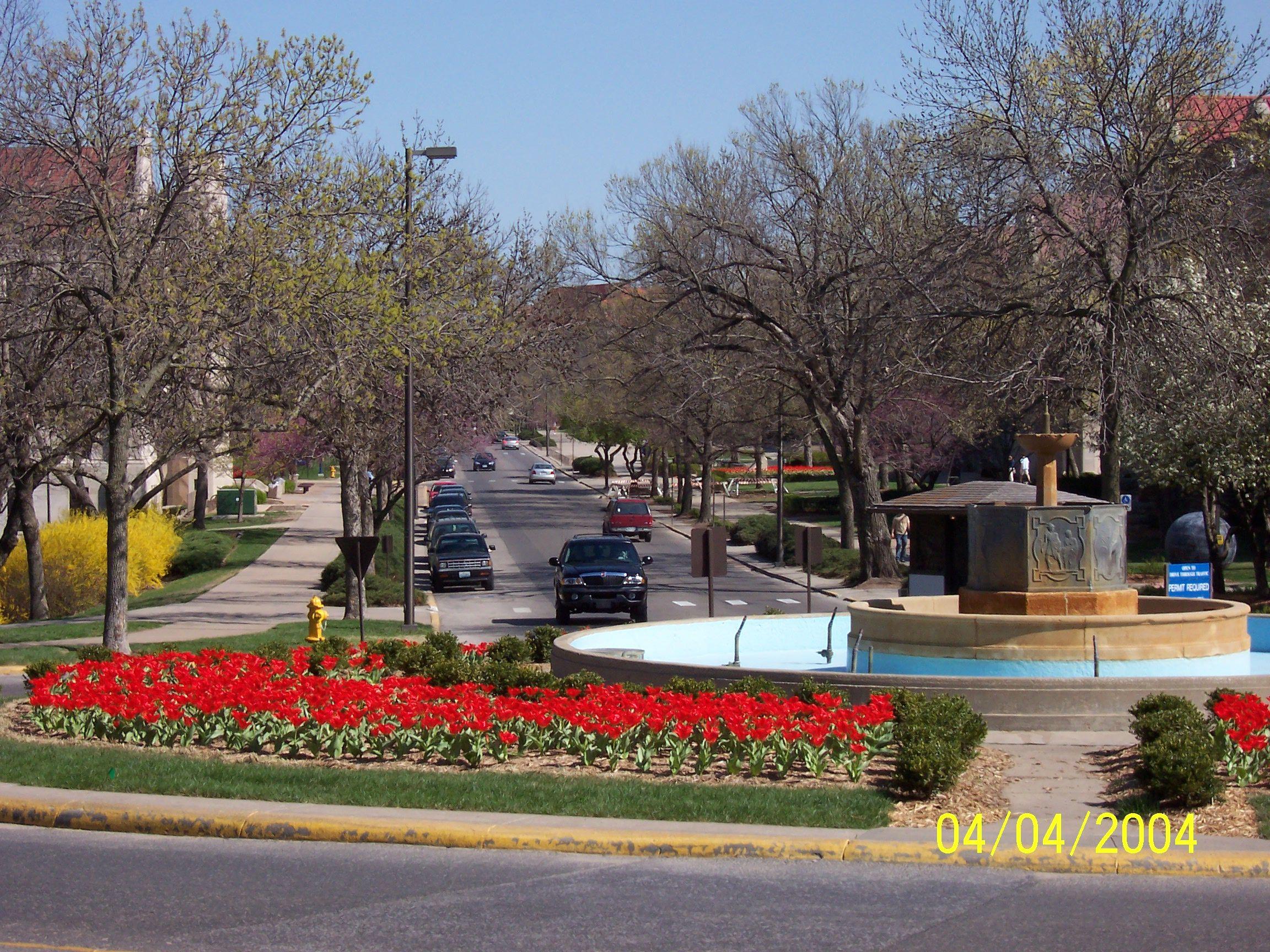Chi Omega fountain (2004) Lawrence kansas, Favorite