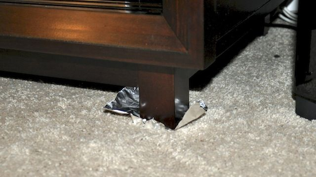 Move Heavy Furniture More Easily With Aluminum Foil Aluminum Foil How To Clean Carpet Foil