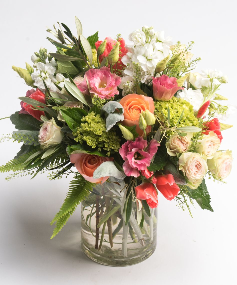 Peach Roses Coral Godetia And White Stock Rose Flower Arrangements Flower Delivery Flower Arrangements
