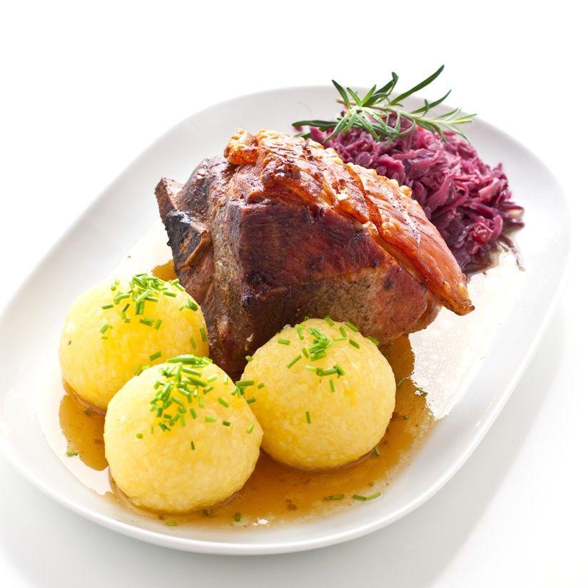 39 schweinebraten mit kn del und rotkohl 39 alemania german cooking baking deutsches kochen. Black Bedroom Furniture Sets. Home Design Ideas