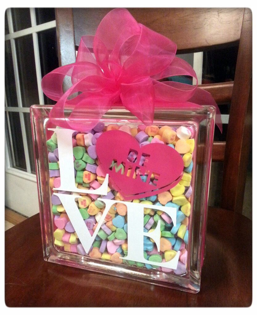 25 Valentines Decorations: 25 Valentine's Day Projects For Your Silhouette