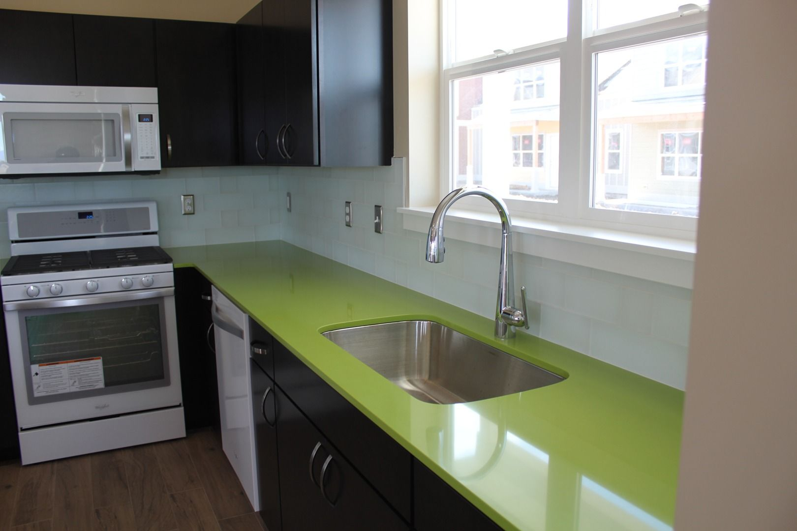 Kitchen Lime Green Quartz Countertops Montana Tile Stone Floors That Look Like Wood Bozeman Cp Haus