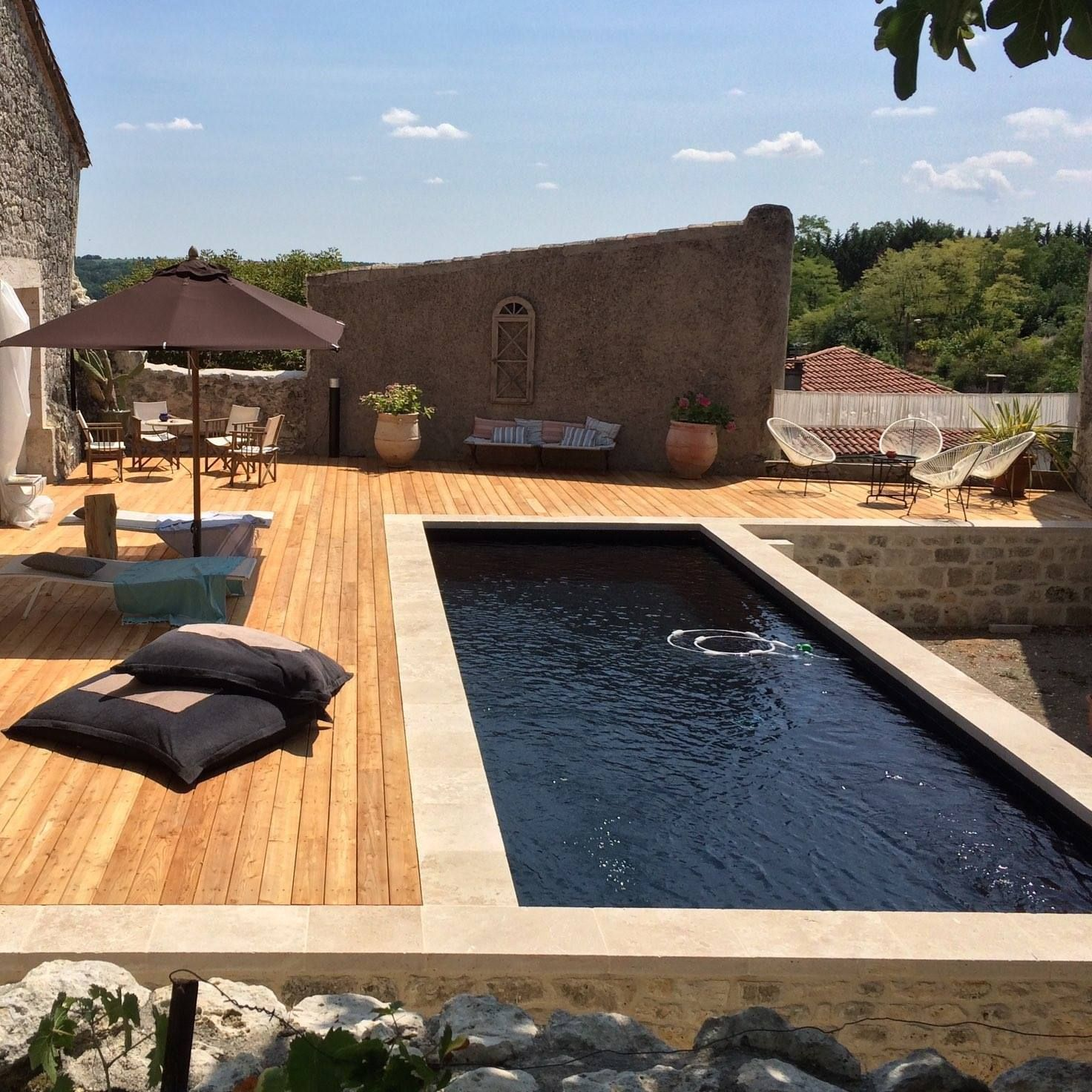 piscine liner noir | E X T E R I E U R S | Swimming pools, Patio ...