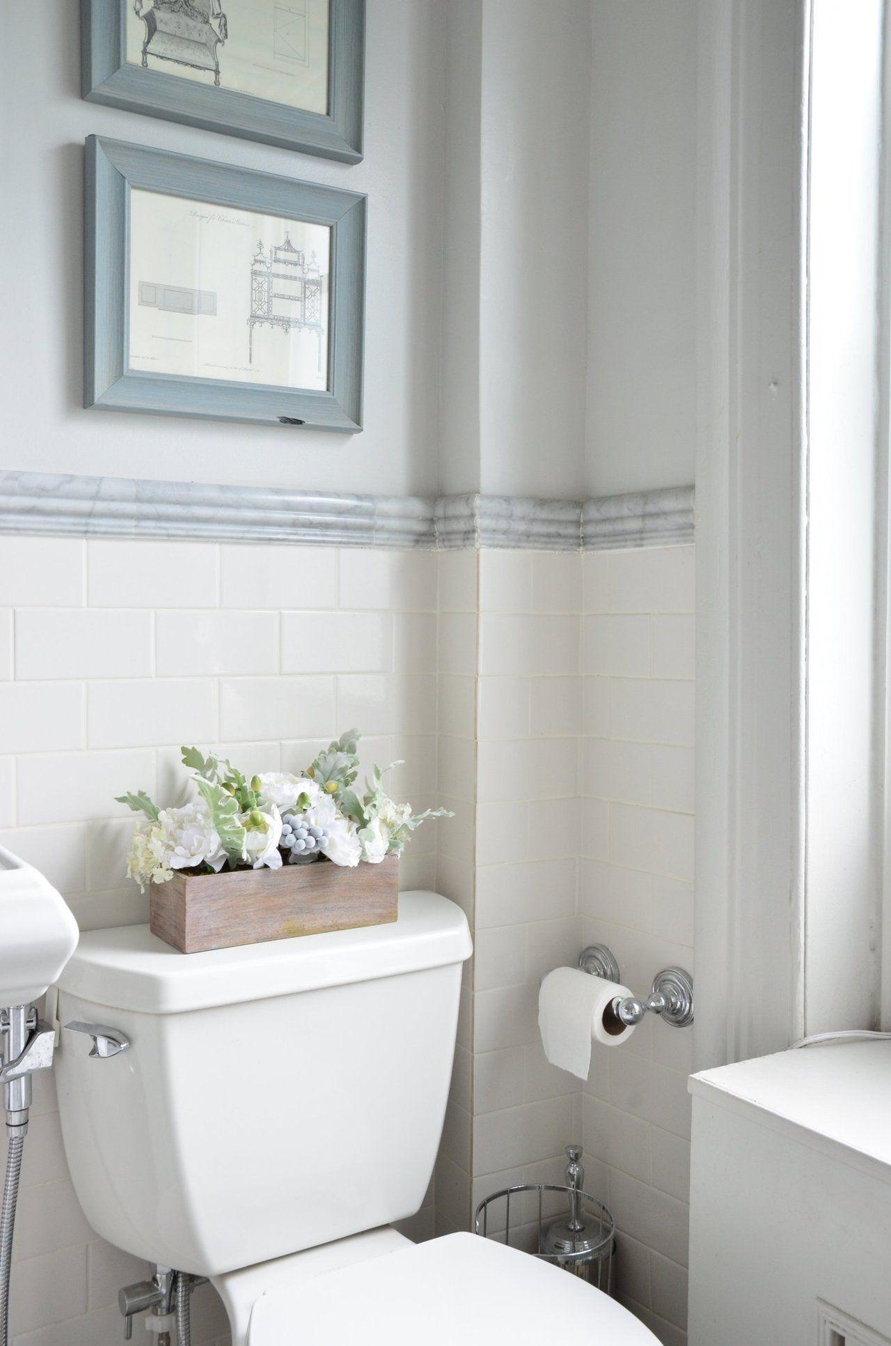 Dramatic Decor In A Traditional Brooklyn Brownstone Brooklyn Brownstone Marble Tile Bathroom Brooklyn Apartment