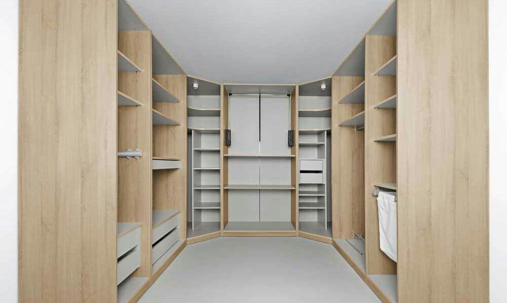 Astuces pour aménager un dressing  emplacement, forme, rangements