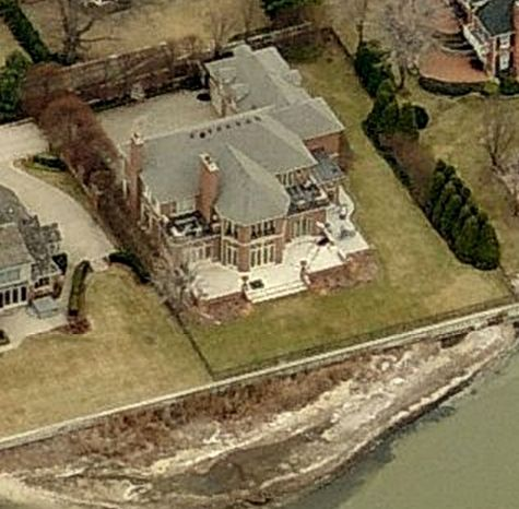 Anita Baker house in Grosse Pointe, Michigan