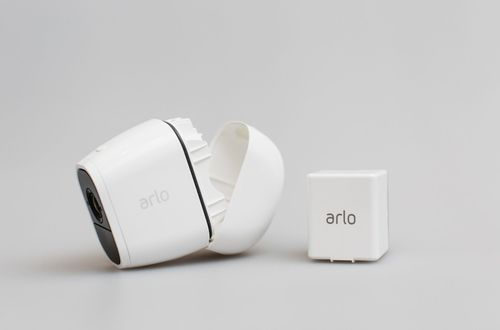 Arlo - Pro 2 Indoor/Outdoor 1080p Wi-Fi Wire-Free Security