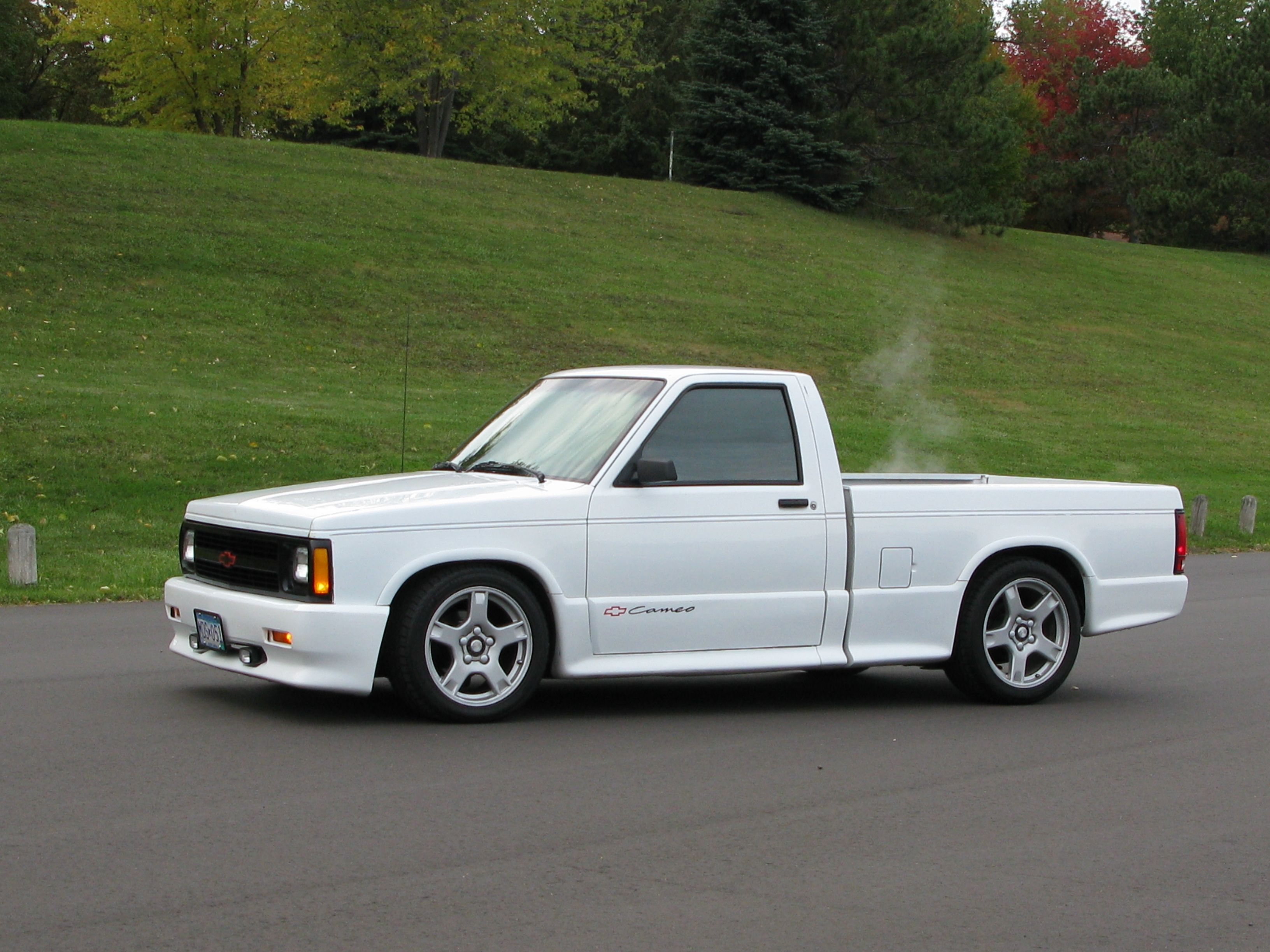 1991 s10 cameo lowered with c5 wheels quick ratio steering box and rear