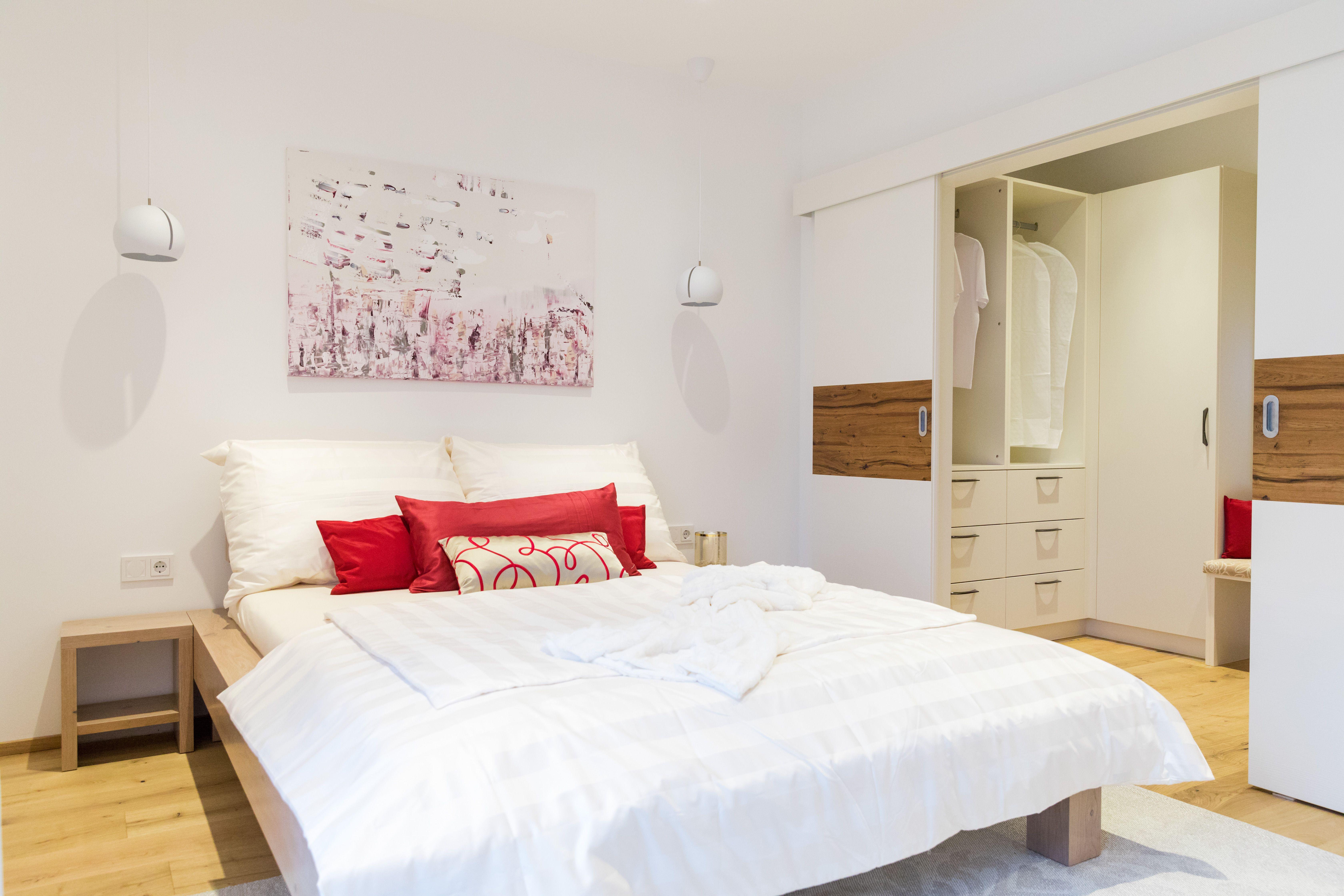 """Das Schlafzimmer des Musterhauses """"Elegance 136 W New"""