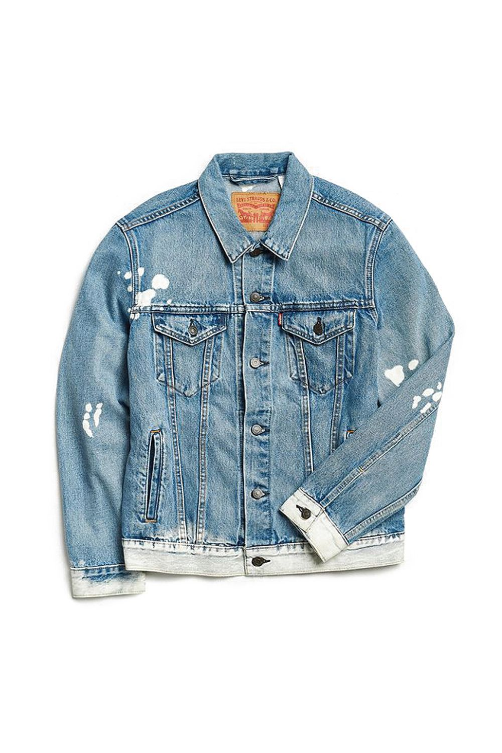 How To Make A Denim Jacket Your Year Round Uniform Denim Jacket Denim Jean Jacket Outfits Diy Denim Jacket [ 1500 x 1000 Pixel ]