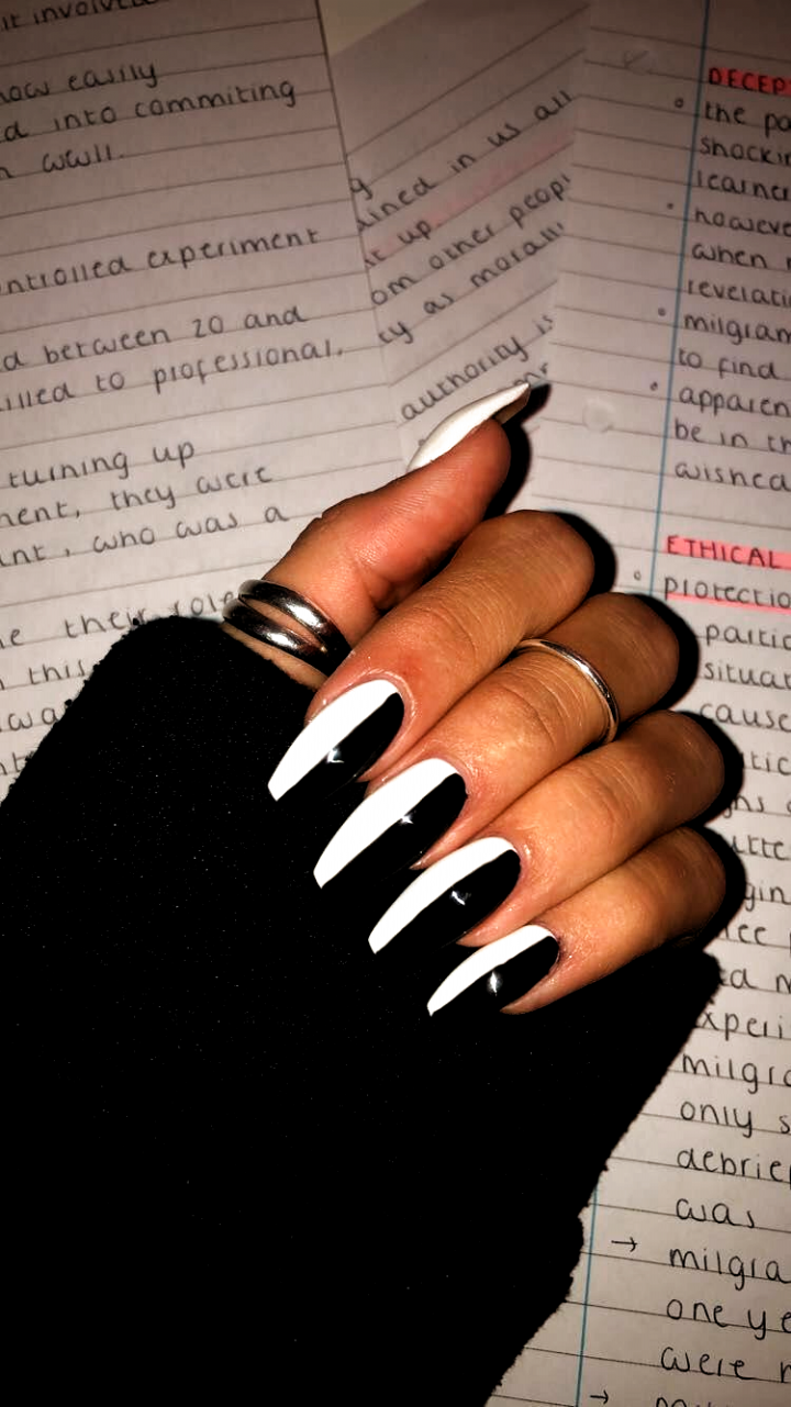 Nails Acrylic Almond 2020 Nails Acrylic Almond 2020 In 2020 Black Acrylic Nail Designs Black Acrylic Nails White Acrylic Nails