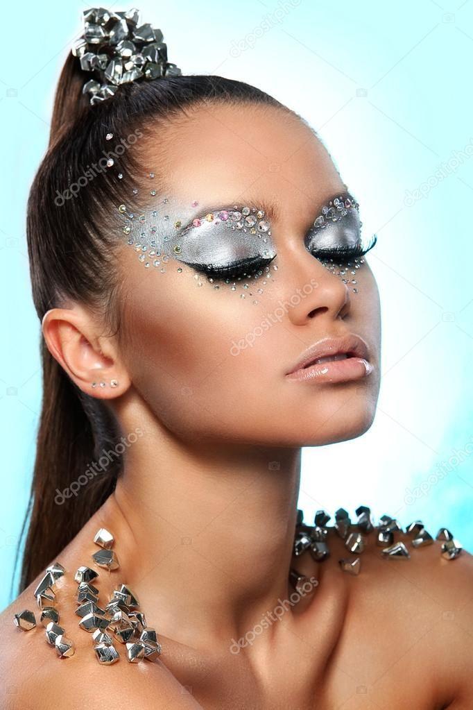 Épinglé sur Makeup Artists