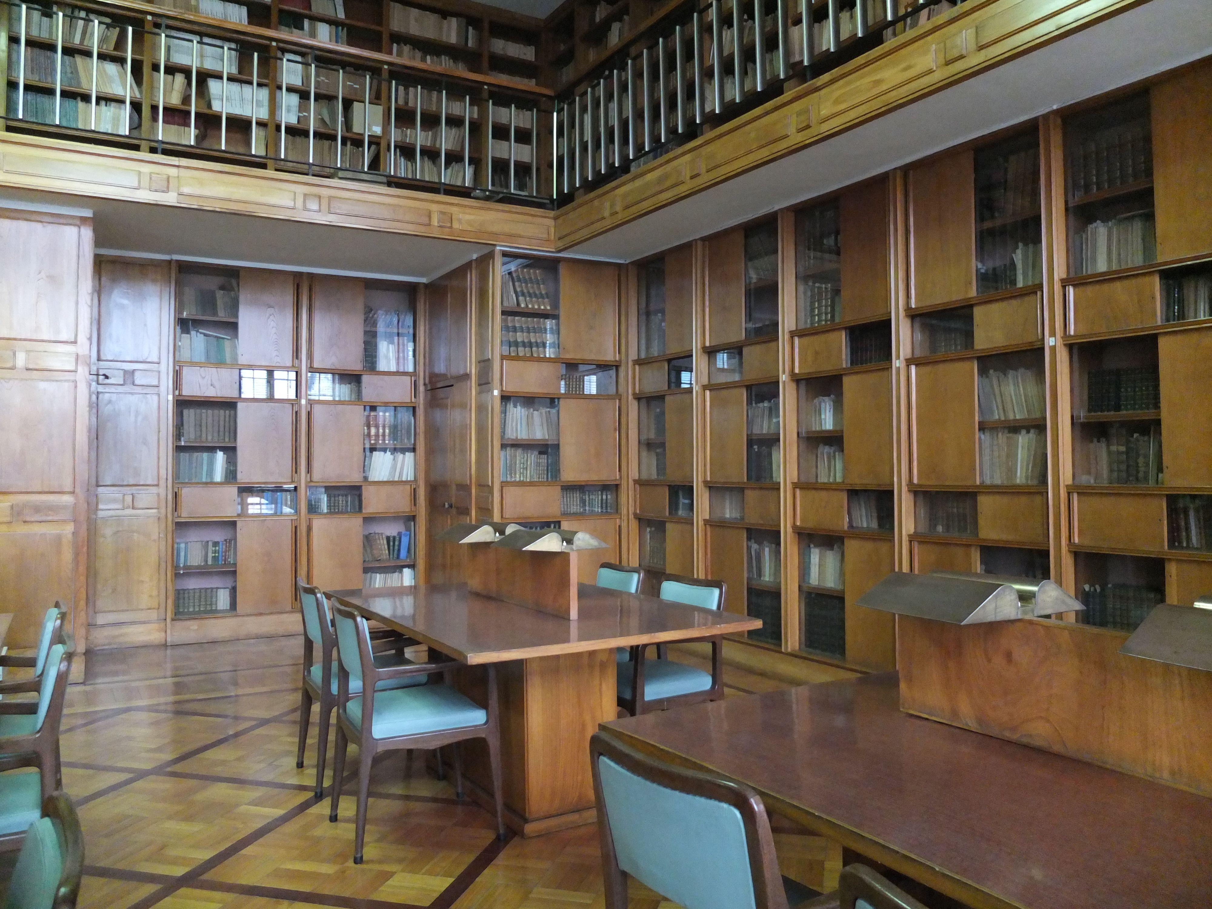 Guimaraes. Biblioteca Histórica
