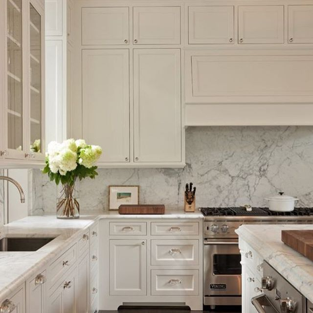 Best Big Bold And White Houzz Kitchen Whitekitchen 400 x 300