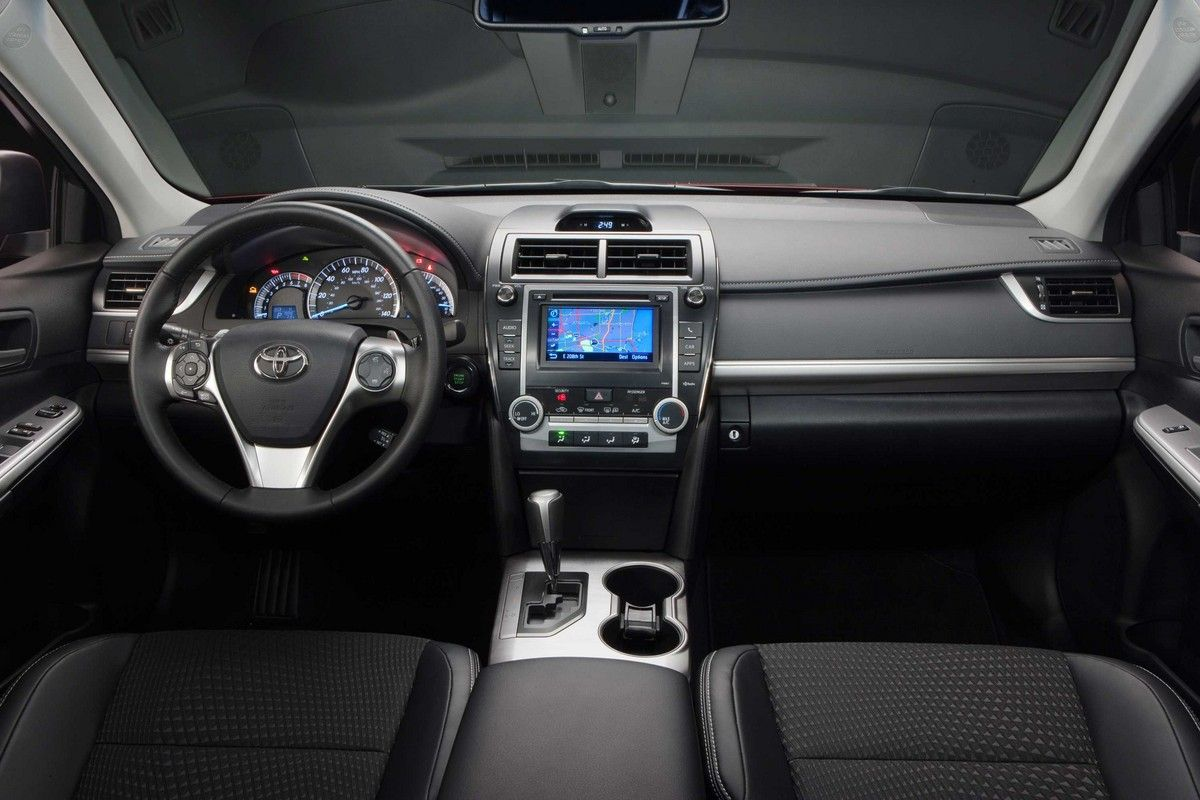 2015 Toyota Camry Hybrid Interior With Images Toyota Camry