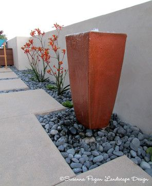 Kruger Residence Modern Landscape Kangaroo Paws And A Small Fountain Modern Landscaping Modern Landscape Design Small Garden Landscape