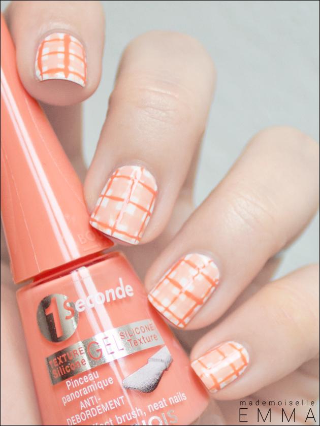 Vichy nails