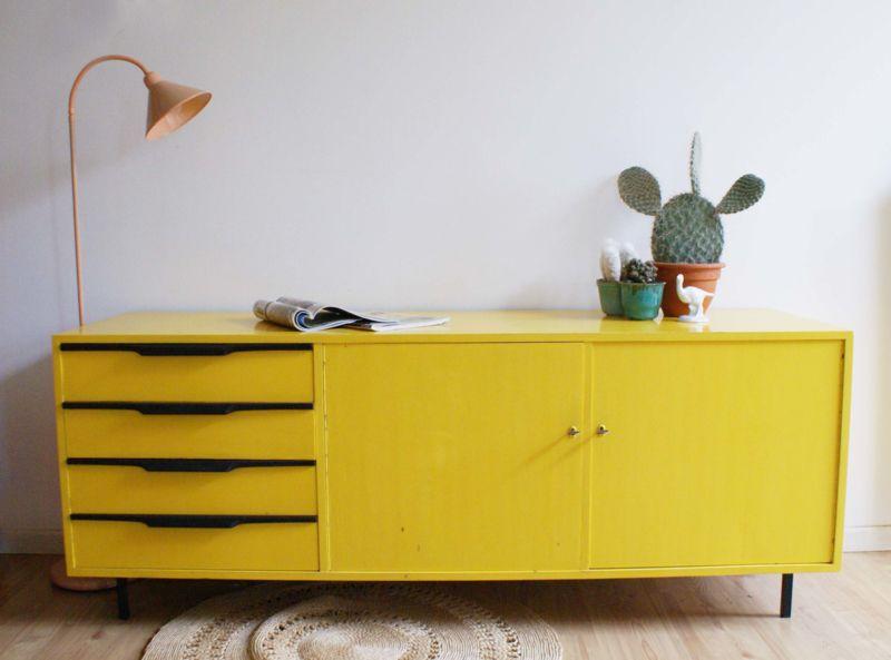 Retro Design Kastje : Knal geel vintage dressoir met zwarte details. houten kast lowboard
