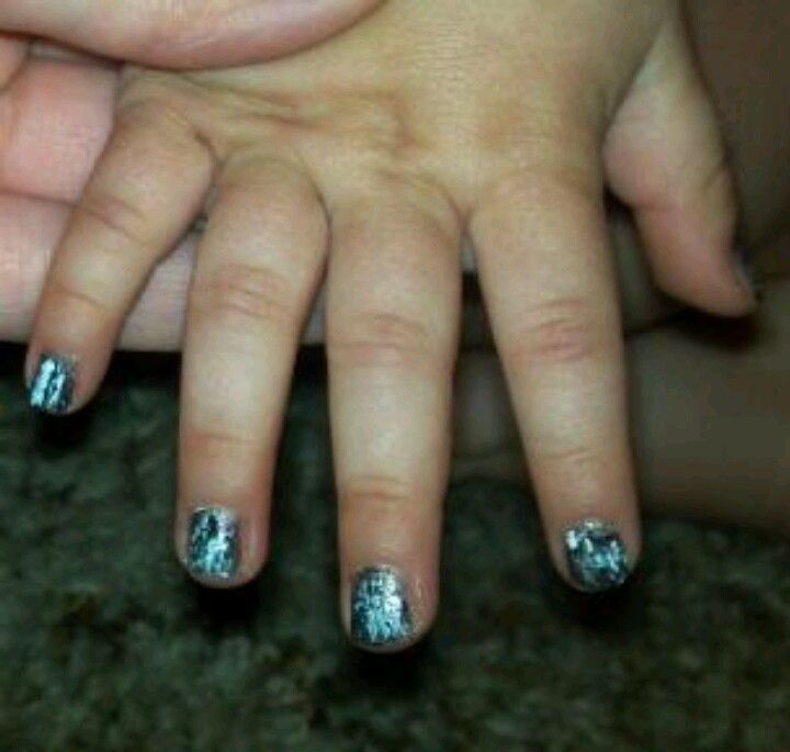 Crackle nails for baby girls