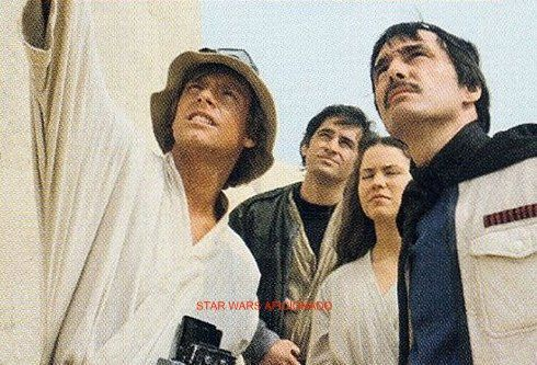 Biggs Darklighter And Luke Skywalker In A Deleted Scene From Star Wars Star Wars Pictures Star Wars Episode Iv Star Wars Luke Skywalker