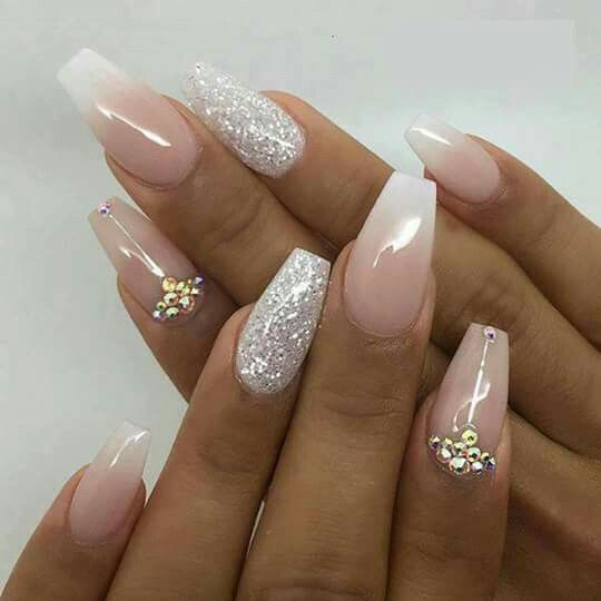 ongles mariage make up ongles pour mariage ongles et ongles paillettes. Black Bedroom Furniture Sets. Home Design Ideas