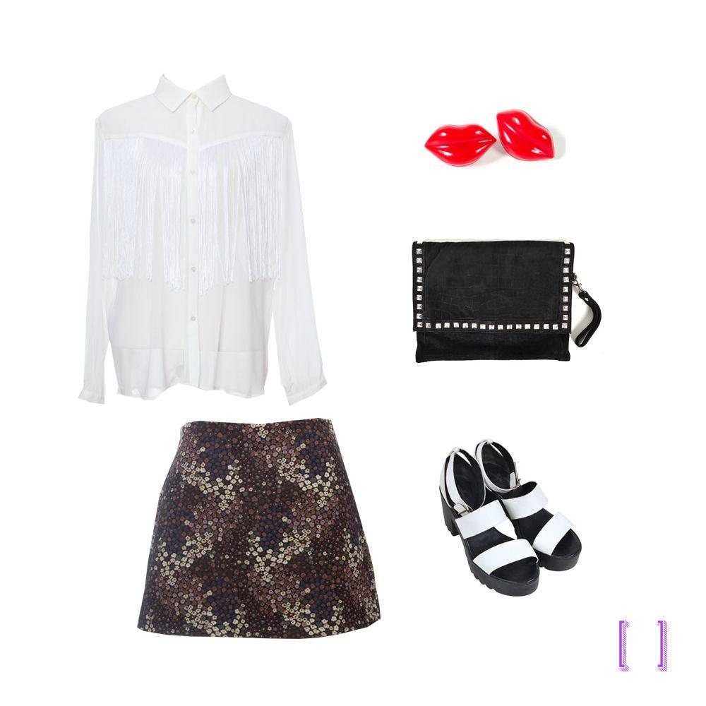 3e3f12e65b Camisa de franja + sandália tratorada branca + clutch tachas