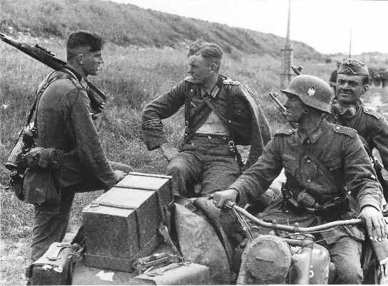 German troops take a break during the battle of Kursk, July 1943