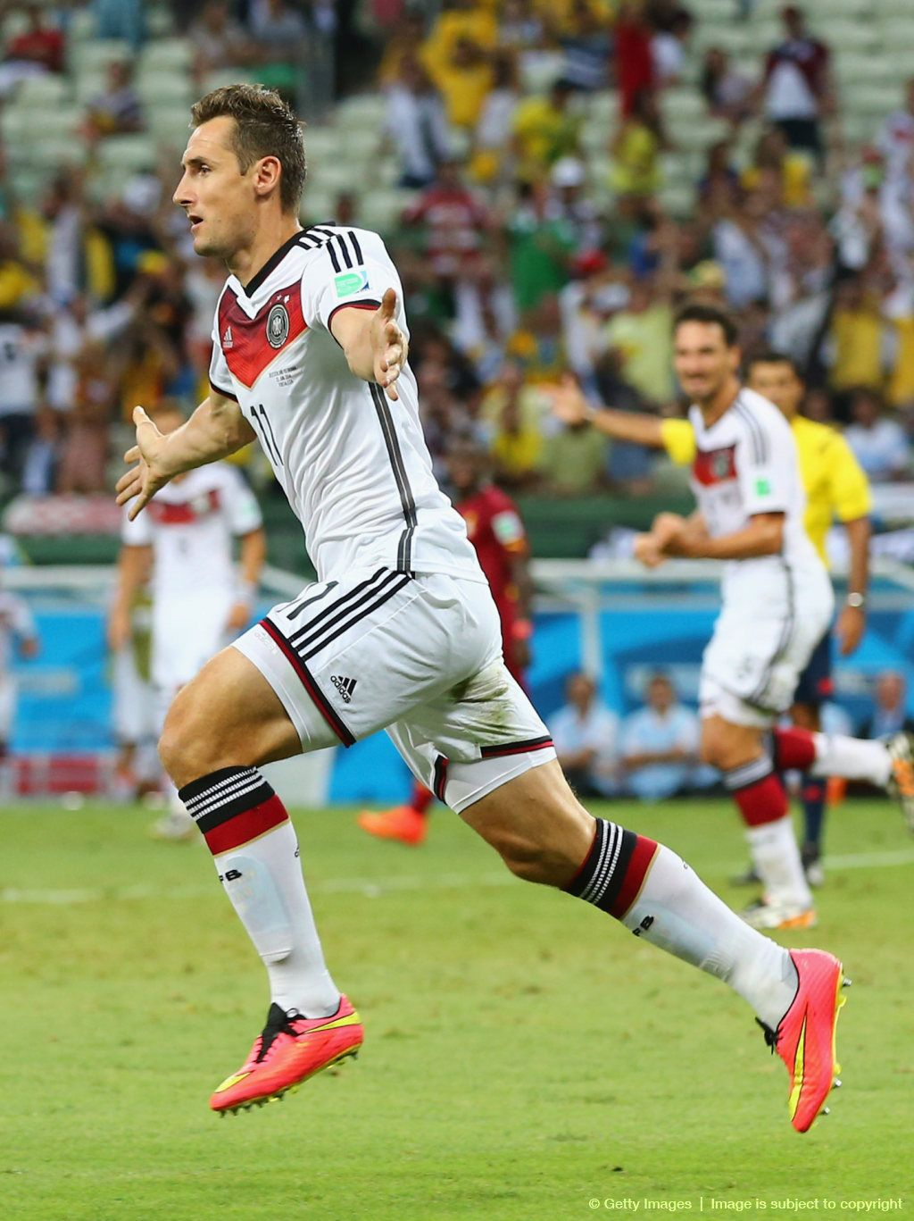 Brazil Legend Ronaldo Has Congratulated Miroslav Klose On Equalling His World Cup Scoring Record After The Germany Soccer Team Germany Football Miroslav Klose