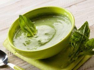 Pronokal - Spinaziesoep  : 1 liter water  : 500 gr verse spinazie (of diepvriesspinazie puur zonder room) ,2 eetlepels gevriesdroogde ui, 1/4 theelepel nootmuskaat, 1 eetlepel olijfolie, peper en zout