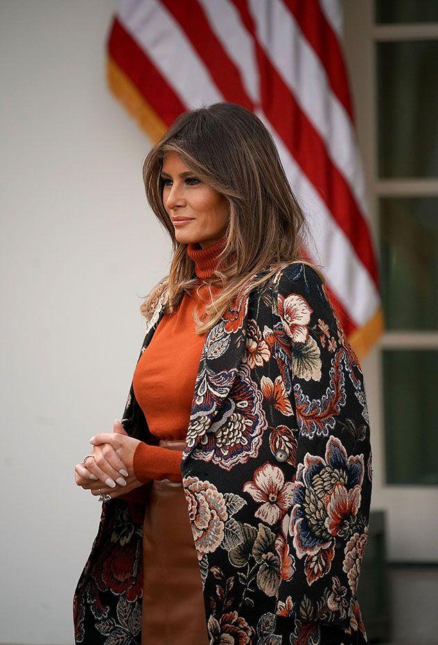 רק זה היה חסר לה First lady melania, First lady, Trump photo