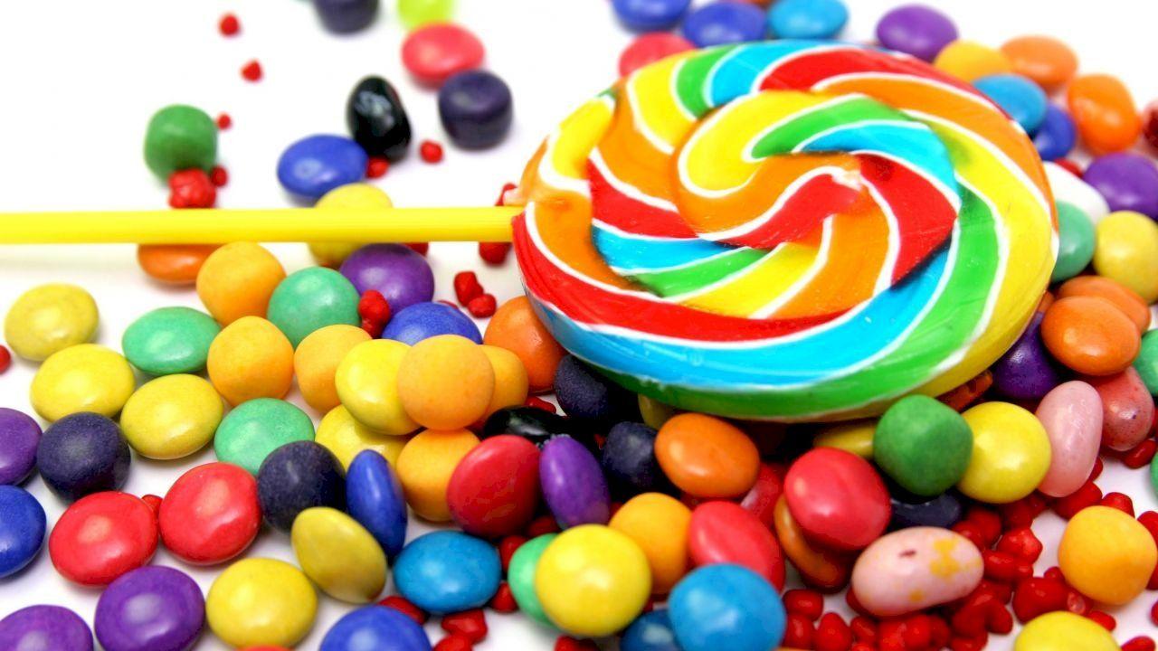 تفسير اكل الحلوى في المنام In 2020 Candy Photography Colorful Candy Photography Colorful Candy