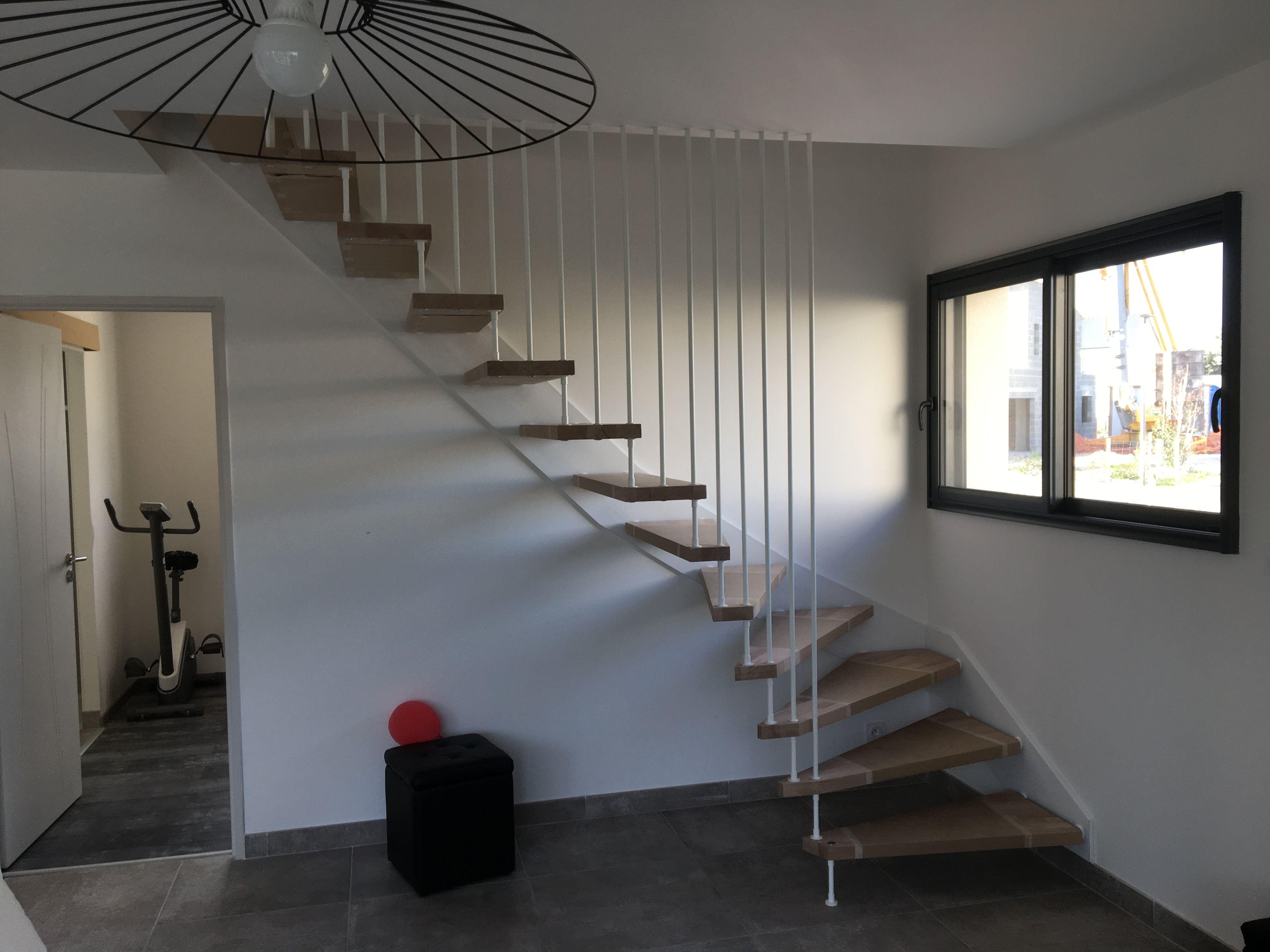 Escalier Nova R6 Avec Harpe Blanche Avec Images Escalier