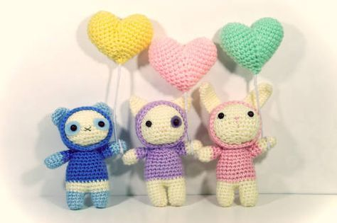 Amigurumi Animals with Heart Balloons and Hood Sweater - FREE ...