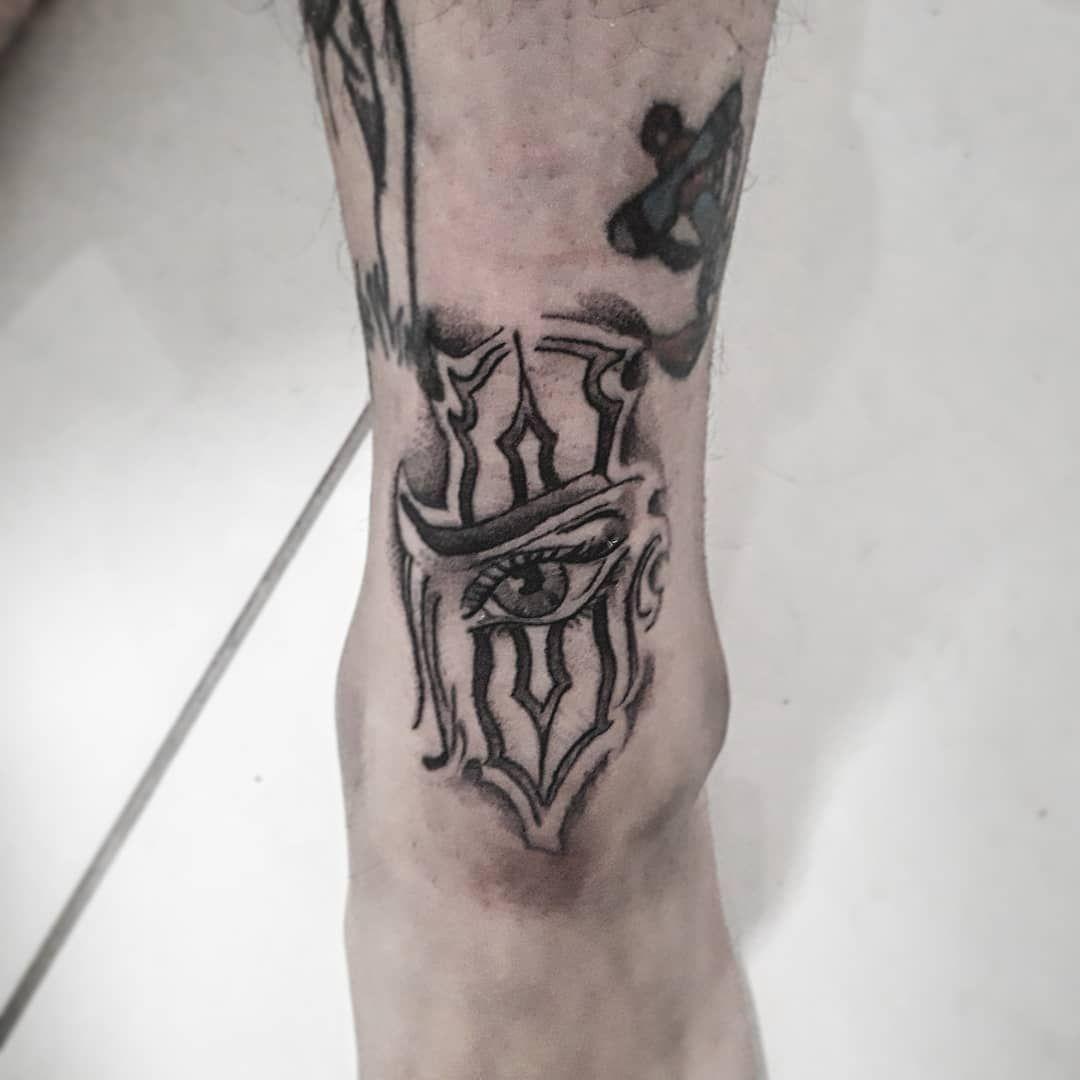 Lockdown! Tattooed my leg this wasn't easy was super awkward because I'm not that flexible lol #twistedblacksheep #tattoo #tattooed #tattoos #tattoolifestyle #tattoosofinstagram #chicano #selfdone #selfemployed #bord #lockdown #privatetattoostudio #art #tattooedflash #loveit #lovethis #eyetattoo #blackandgrey #capetown #kaapstad #alldayeveryday #inkfeature #inkwork #inkaholik #inkfreak #inkling #hashtag #keeppushing #tattooeveryday #tattoo2020