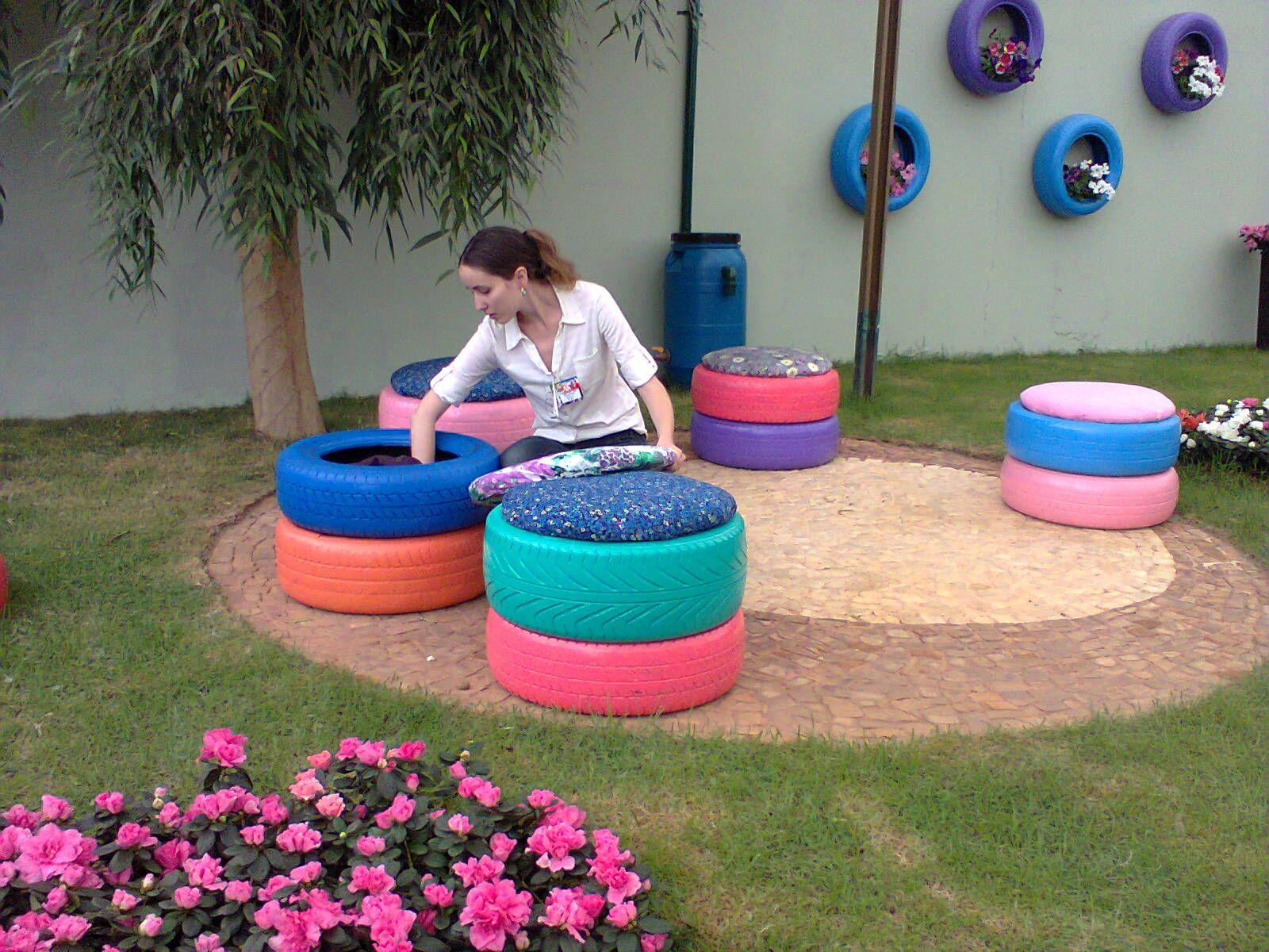 Garden decor with tyres  EL RINCON uCITOu  DECORA RECICLANDO   Tired Gardens and Recycle
